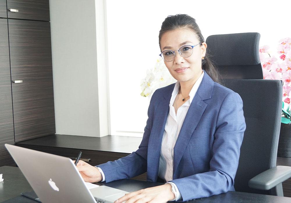 取締役業務部長 劉策(リュー サク)・中国籍 医療ツーリズム・ビザ取得支援のスペシャリスト